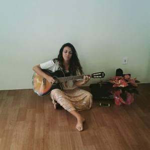 Cantos da Alma e meditação sonora - Bianca Ramos