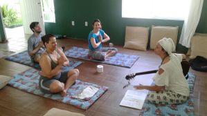 Aula de Kundalini Yoga - Nihal Hari Kaur - Bianca Ramos